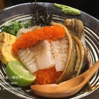 比目星鰻丼 -  dari 漁兵衛 (東望洋) di 東望洋 |Macau