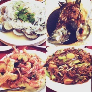 Steamed fan shell with minced garlic with and rice vermicelli, steamed fish,  Wet butter prawns, Moonlight fried noodle -  dari 雙天海鮮樓 (Kota Kinabalu) di Kota Kinabalu |Sabah