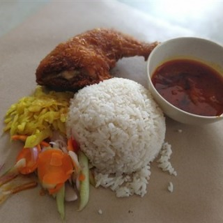 Plant Rice + Vegi + Curry + Fried L Shape Chicken Drumstick - USJ's De Happy Land Restaurant (USJ)|Klang Valley