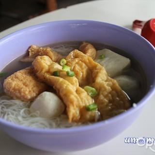位于中峇魯的中巴鲁釀豆腐 (中峇魯) | 新加坡