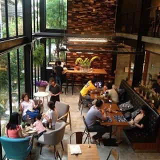 位于สวนหลวง的The Hey 53 Coffee & Kitchen (สวนหลวง) | 曼谷